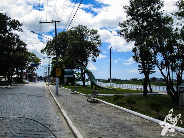 Praça do Dinossauro | Tijucas - SC | FredLee Na Estrada