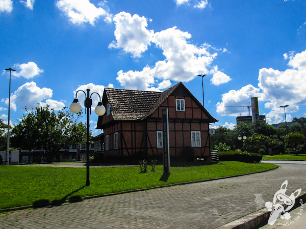 Centro de atendimento ao turista | Blumenau - SC | FredLee Na Estrada