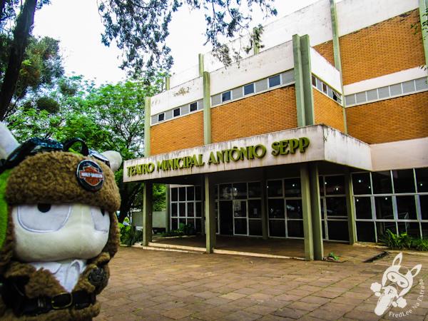 Teatro Municipal Antônio Sepp | Santo Ângelo - RS | FredLee Na Estrada