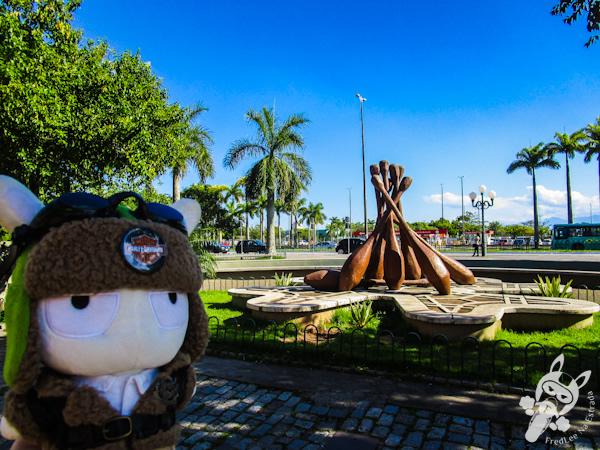 Monumento reproduzindo bilros - Florianópolis - SC