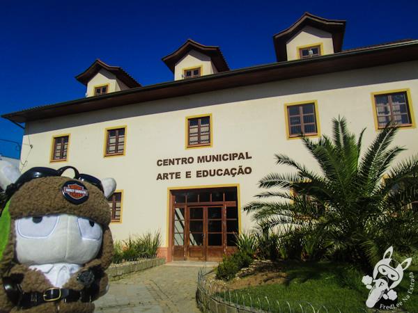 Centro municipal de Arte e Educação de Canelinha - SC