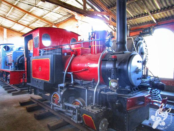 Trator de esteira - 1945 | Museu Ferroviário de Tubarão - SC