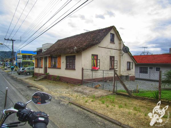 Capela São José e a Gruta Nossa Senhora de Fátima   Guaramirim - SC
