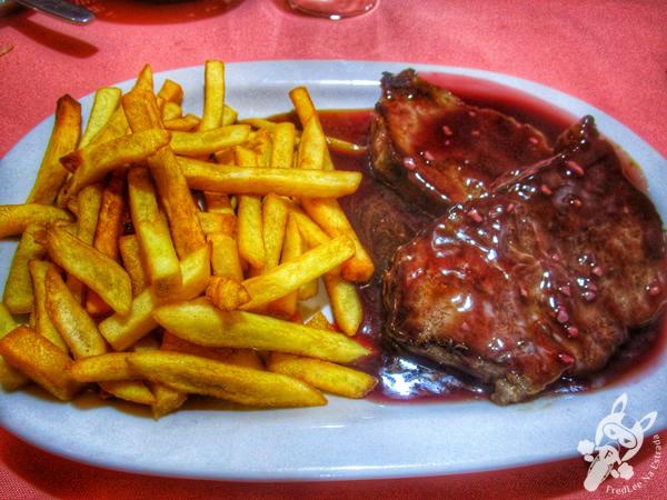 Bife de chorizo al vino tinto y papas fritas no Restaurante Don Enrique - Argentina