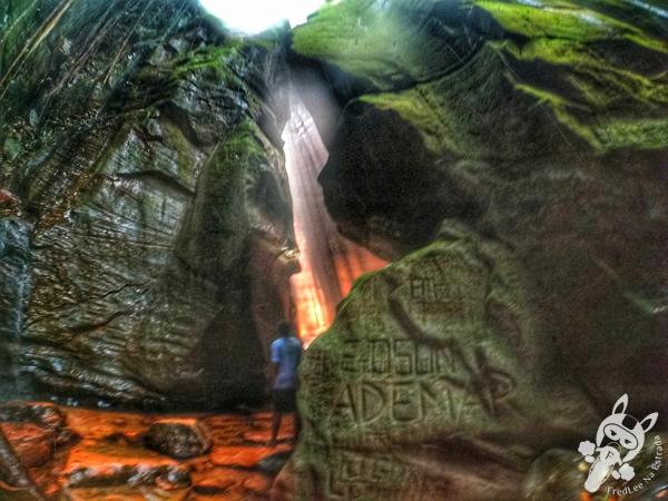 Cachoeira da Caverna | Santuário Ecológico Pedra Caída - Carolina - MA | FredLee Na Estrada