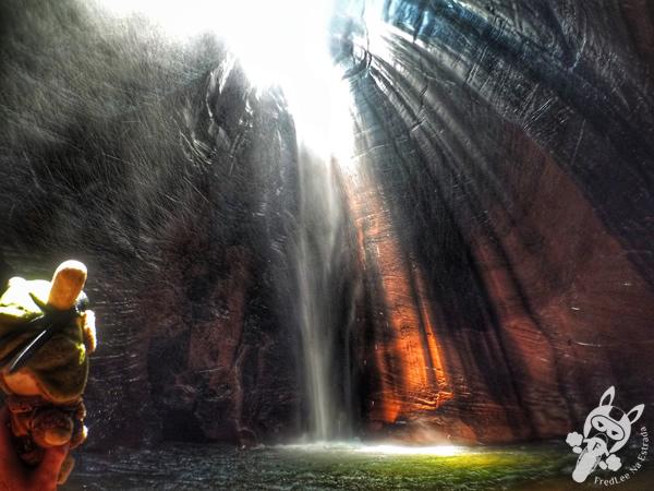 Cachoeira da Caverna   Santuário Ecológico Pedra Caída - Carolina - MA   FredLee Na Estrada