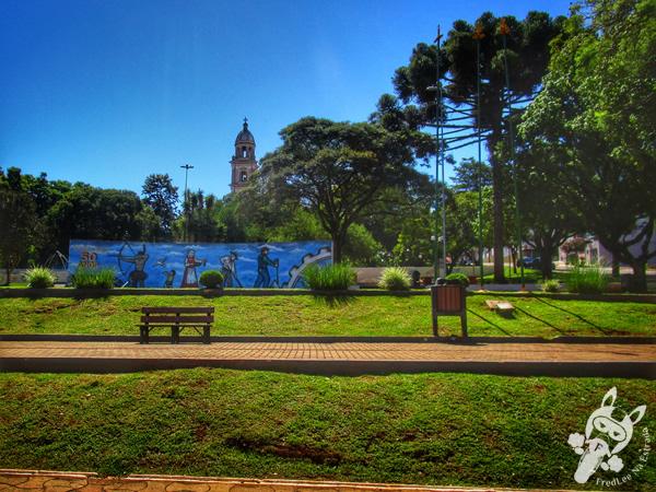 Praça Central Sílvio Ughini | Tapejara - RS | FredLee Na Estrada
