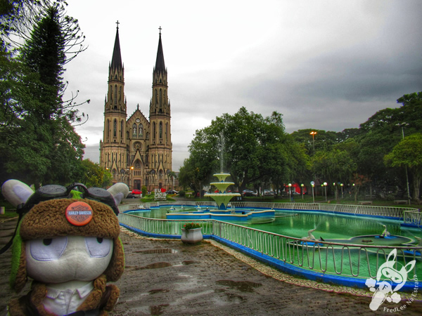 Catedral São João Batista - Praça Getúlio Vargas | Santa Cruz do Sul - Rio Grande do Sul - Brasil | FredLee Na Estrada