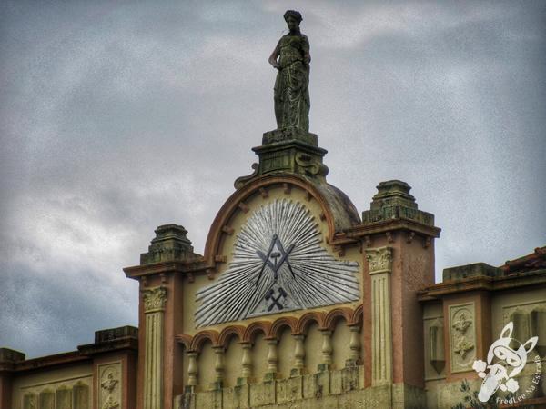 Monumento em homenagem ao centenário da independência do Brasil - Praça da Bandeira | Santa Cruz do Sul - RS | FredLee Na Estrada