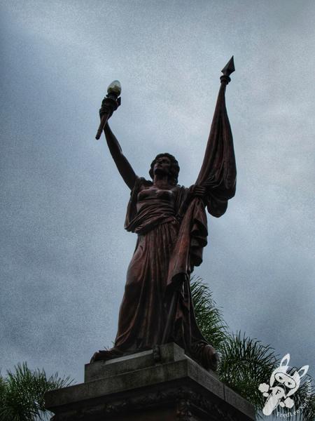Monumento em homenagem ao Centenário da Independência do Brasil - Praça da Bandeira | Santa Cruz do Sul - Rio Grande do Sul - Brasil | FredLee Na Estrada