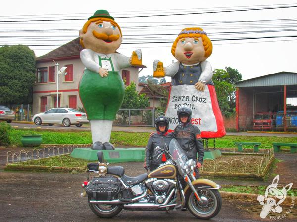 Bonecos Fritz e Frida | Santa Cruz do Sul - Rio Grande do Sul - Brasil | FredLee Na Estrada