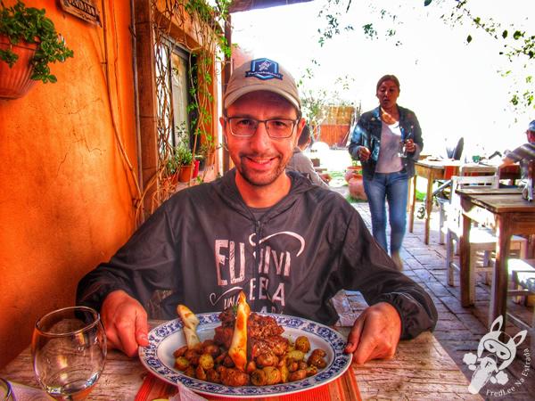 Ojo de chorizo con papas andinas em San Francisco de Tilcara - Jujuy - Argentina | FredLee Na Estrada