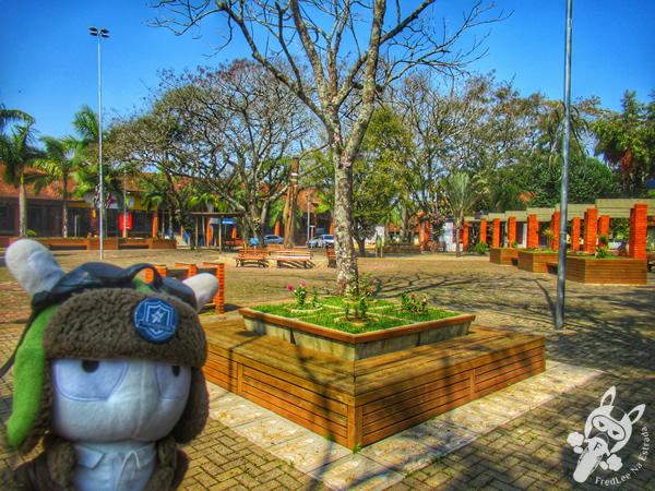 Praça Dr. Aldo Ivo Stumpf | Itá - SC | FredLee Na Estrada