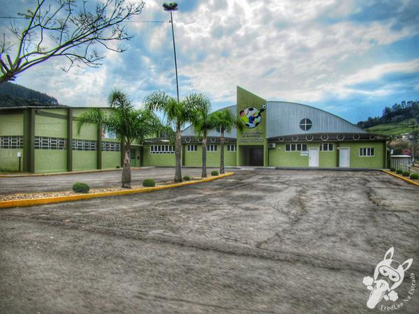 Ginásio municipal de esportes de Salto Veloso - Santa Catarina - Brasil | FredLee Na Estrada