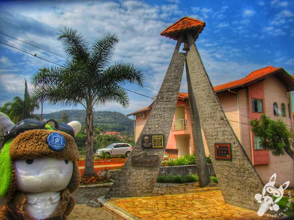 Monumento em homenagem a Afonso Abati | Salto Veloso - Santa Catarina - Brasil | FredLee Na Estrada