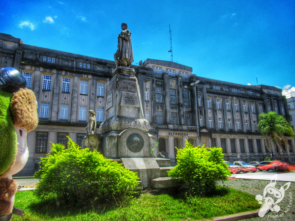 Monumento a Brás Cubas | Praça da República - Centro Histórico | Santos - São Paulo - Brasil | FredLee Na Estrada