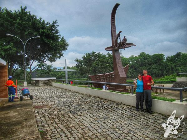 Rio Paraíba do Sul - Cidade do Romeiro   Aparecida - São Paulo - Brasil   FredLee Na Estrada