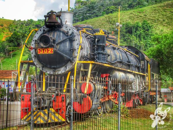 Locomotiva 302  Praça Dona Domiciana - Centro Histórico | Bananal - São Paulo - Brasil | FredLee Na Estrada