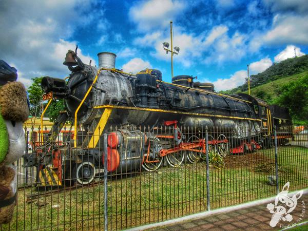 Locomotiva 302 | Praça Dona Domiciana - Centro Histórico | Bananal - São Paulo - Brasil | FredLee Na Estrada