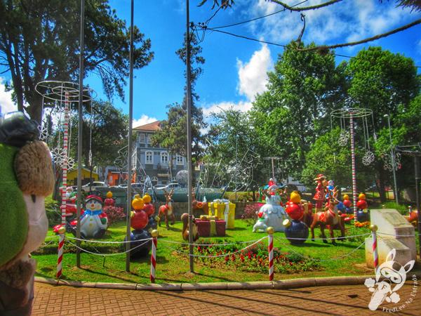 Praça Izabel Cury Paulo | Campos de Jordão - São Paulo - Brasil | FredLee Na Estrada