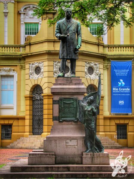 Monumento ao Barão do Rio Branco - Centro Histórico | Porto Alegre - Rio Grande do Sul - Brasil | FredLee Na Estrada