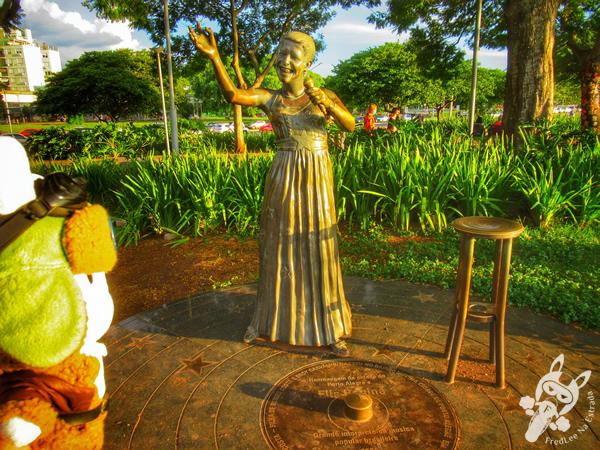 Monumento de Elis Regina Carvalho Costa - Centro Cultural Usina do Gasômetro - Centro Histórico | Porto Alegre - Rio Grande do Sul - Brasil | FredLee Na Estrada